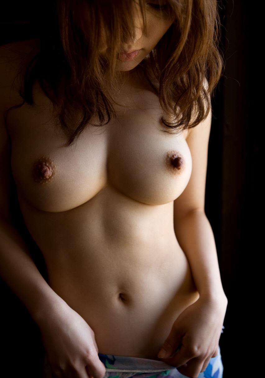 Красивая Обнаженная Женская Грудь